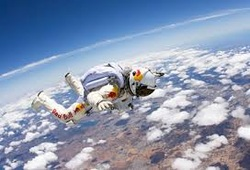Felix_Baumgartner_edge_of_space_Jump